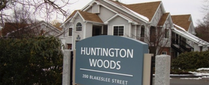 Huntington Woods Apartments – 200 Blakeslee Street, Bristol, Connecticut
